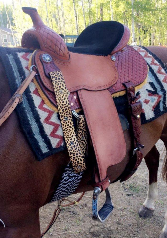 LazyM Saddles - Barrel saddle with horse