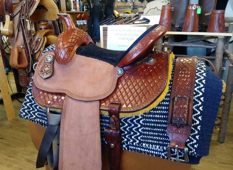 Lazy M Cross Hatch Barbwire Barrel saddle