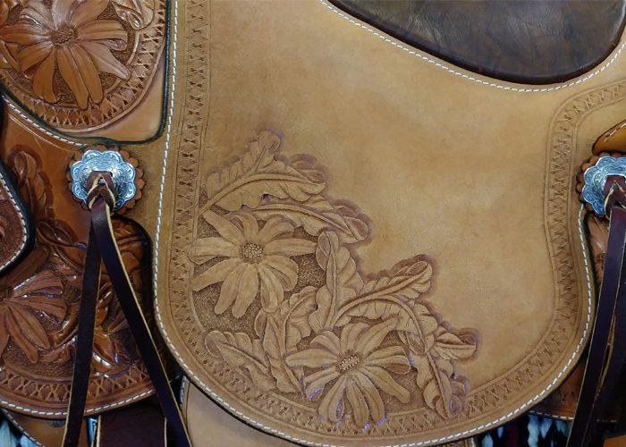 LazyM daisy wade saddle